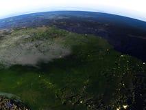 亚马逊雨林在地球现实模型的晚上  皇族释放例证
