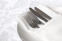 亚麻制餐位餐具白色 库存图片