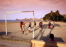 亚洲东帝汶东帝汶帝力海滩女子足球 免版税库存图片