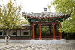 亚洲中国,北京,中山公园,古色古香的大厦亭子 库存照片