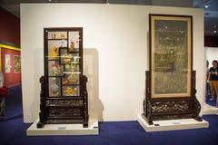 亚洲中国,北京,国家博物馆,室内展览室,刺绣 免版税库存照片