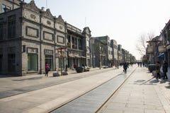 亚洲人中国,北京,前门,商业步行街道 图库摄影