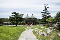 亚洲人中国,北京,天坛,两轮并排的Wanshou亭子 免版税库存照片
