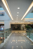 亚洲人中国,北京,王府井, APM购物中心,室内设计商店, 免版税库存图片
