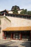 亚洲人中国,北京,颐和园,佛教香火塔,倾斜走廊 免版税库存图片
