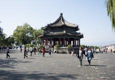 亚洲人中国,北京,颐和园, Kuo Ru铃声 免版税图库摄影