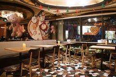 亚洲人中国,北京, Taikoo李三里屯,西部餐馆Wagas 免版税库存照片