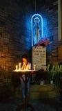 亚洲人祈祷, Notre Dame大教堂 免版税图库摄影
