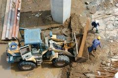 亚洲人,建造场所,挖泥机,河床, rigation系统 库存图片