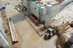 亚洲人,建造场所,挖泥机,河床, rigation系统 免版税库存照片