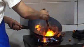 亚洲传统烹调在火 影视素材