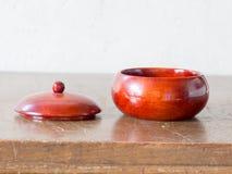 亚洲古色古香的木容器 免版税图库摄影