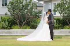 亚洲夫妇前婚礼 免版税库存照片