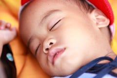 亚洲女婴睡觉 免版税库存图片