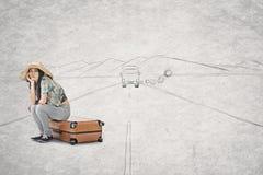 亚洲妇女错过公共汽车 免版税库存照片