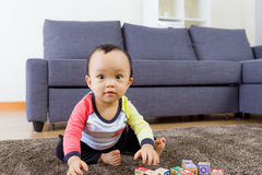 亚洲婴孩戏剧玩具块 免版税库存照片