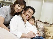 亚洲家庭 免版税库存图片
