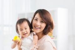 亚洲家庭 免版税图库摄影