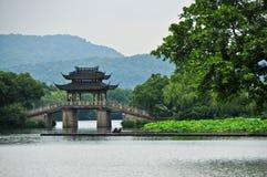 亚洲寺庙桥梁 免版税库存图片