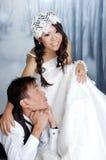 亚洲新娘和新郎 库存图片