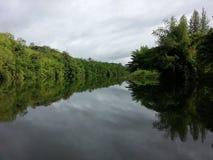 亚洲曼谷在pharay河河沿泰国视图的桥梁chao 免版税库存图片