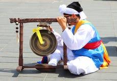 亚洲民俗的小组的打击乐演奏者,尼斯,法国 免版税库存照片