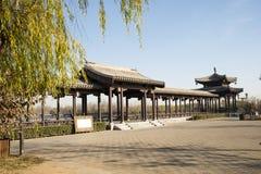 亚洲汉语,北京,重创的Canale森林公园,长的走廊,亭子 免版税库存照片