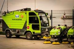 亚洛瓦自治市道路清扫工车  库存图片