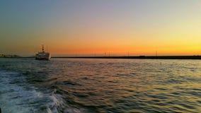 从亚洲的Boattrip向欧洲 免版税库存图片