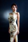 亚洲礼服东方传统妇女 免版税库存照片