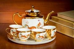 亚洲罐茶 免版税库存图片