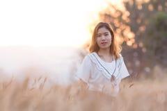 亚洲美丽的女孩纵向 图库摄影