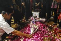 亚洲航空飞行事故遇难者葬礼  免版税库存图片
