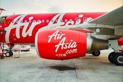 亚洲航空飞行在机场 免版税库存图片