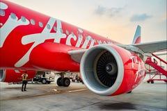 亚洲航空飞行在机场 免版税库存照片
