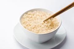 亚洲面条和筷子 库存照片