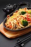 亚洲食物 与菜的乌龙面面条 库存照片
