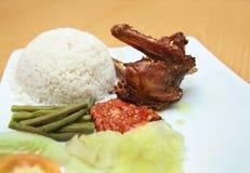 亚洲鸭子食物油煎了 免版税库存图片