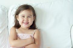 亚洲,混合的族种女孩微笑 免版税库存图片