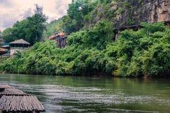 死亡铁路世界大战2泰国在Krasae洞, kanchanaburi,泰国 图库摄影