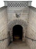 死亡头骨和黑暗被困扰的土窖 免版税图库摄影
