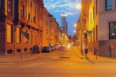 交叉点和街道在夜城市 法兰克福德国主要 库存照片