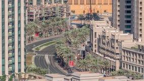 交叉点在默罕默德Bin拉希德大道的交通timelapse 影视素材