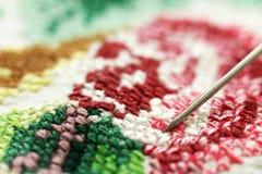 交叉被绣的好模式针 乌克兰种族装饰品,宏指令 库存照片