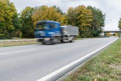 交换通过在一条国道,德国 免版税库存图片