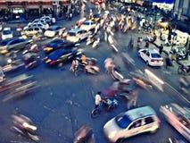 在环形交通枢纽的交通在河内 免版税库存照片