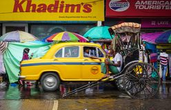 交易在街道上在街市在加尔各答,印度 免版税库存照片