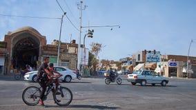 交易在阿訇霍梅尼街道上在亚兹德,伊朗 股票录像