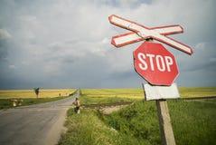 交易培训的蓝色以后的横穿机械工铁路路集合符号天空警告 免版税库存照片