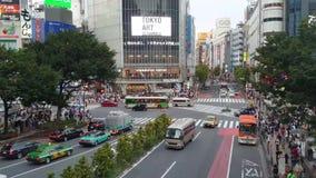 交通和行人交叉路流程Timelapse录影著名涩谷交叉点在东京,日本 股票视频